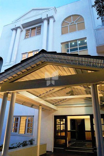 Prestige White Lodge - Elevation Photo