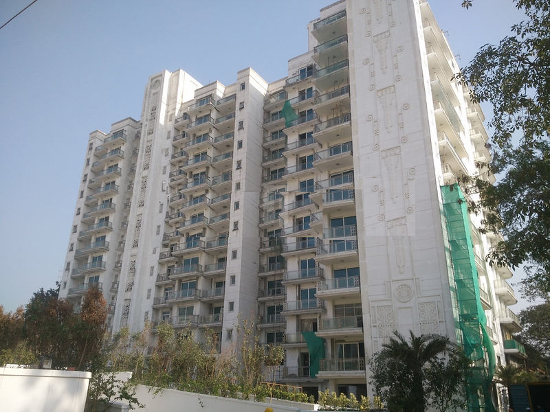 DLF Kings Court - Project Images
